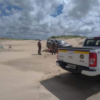 Bandeira preta: BM orienta veranistas na Praia do Cassino