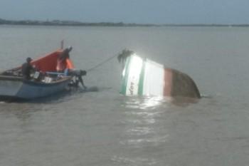 Capitania dos Portos emite nota sobre naufrágio de barco atingido por navio em RG