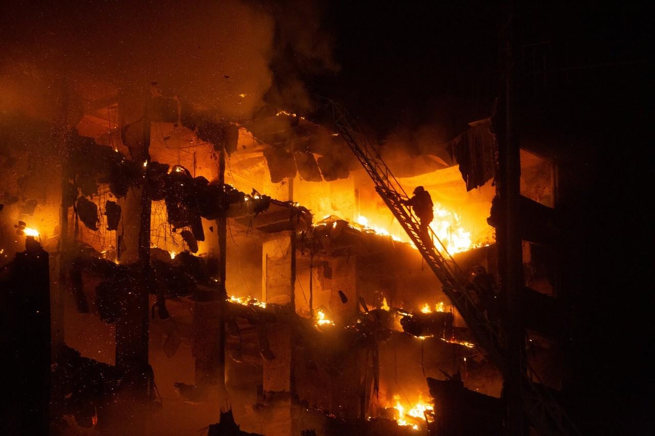 Após o CBMRS localizar os dois bombeiros, vice-governador anuncia demolição do prédio da SSP