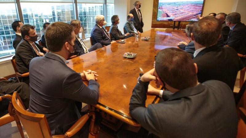 Comitiva gaúcha trata, na Espanha, sobre a construção da termelétrica Rio Grande