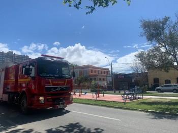 Bombeiros atendem queda de ar condicionado em academia na Av. Portugal nesta quarta-feira (20)